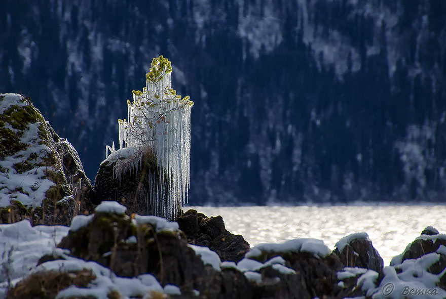 winter-art-see-the-most-amazing-ice-and-snow-formations-65008
