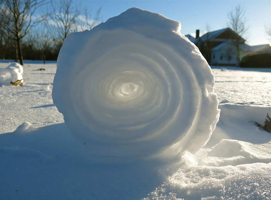 winter-art-see-the-most-amazing-ice-and-snow-formations-86033