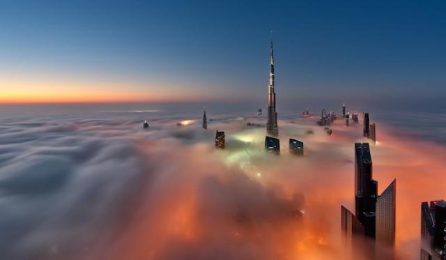 Fog-Over-Dubai-Buildings-Photography_1-640x373