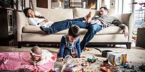 best-case-scenario-realistic-family-chaotic-photography-danielle-guenther-11__880
