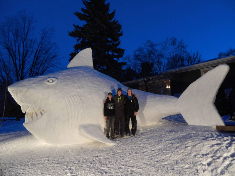 every-year-these-brothers-make-a-giant-snow-sculpture-on-their-front-lawn-5
