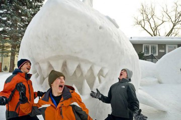 every-year-these-brothers-make-a-giant-snow-sculpture-on-their-front-lawn-6