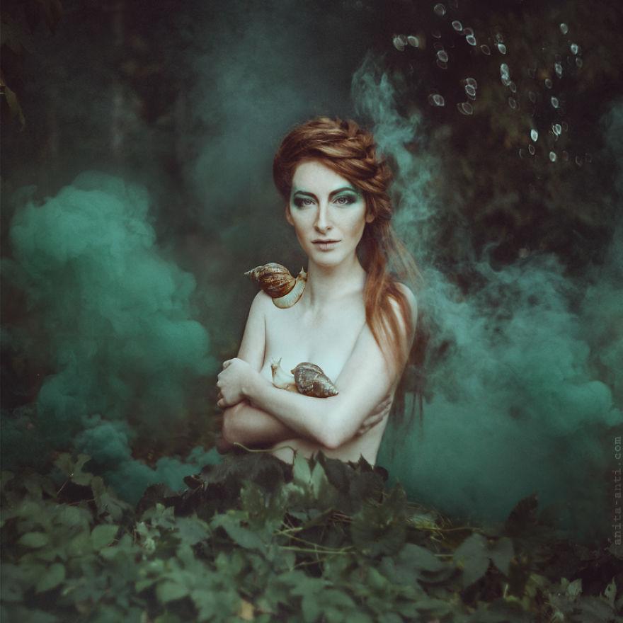 fairytale-photography-women-animals-anita-anti-14__880