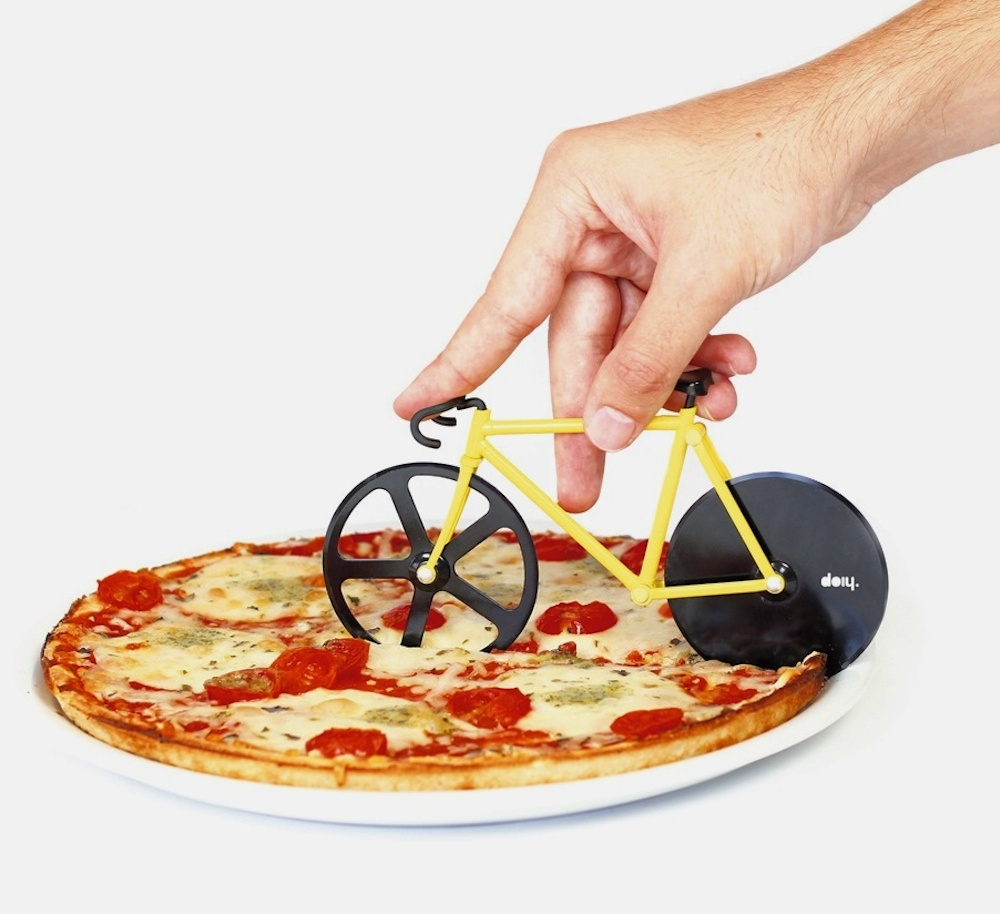 fixie-pizza-cutter-bumblebee-by-doiy