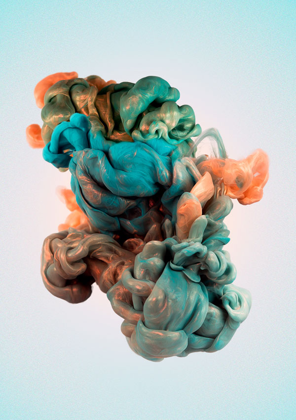 high-speed-photos-of-ink-and-metal-dropped-into-water-by-alberto-seveso-1