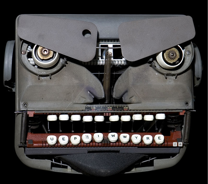 pareidolia-typewriter
