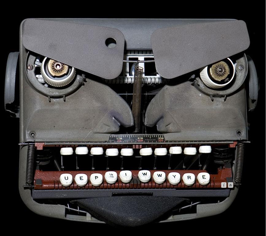 pareidolia-typewriter