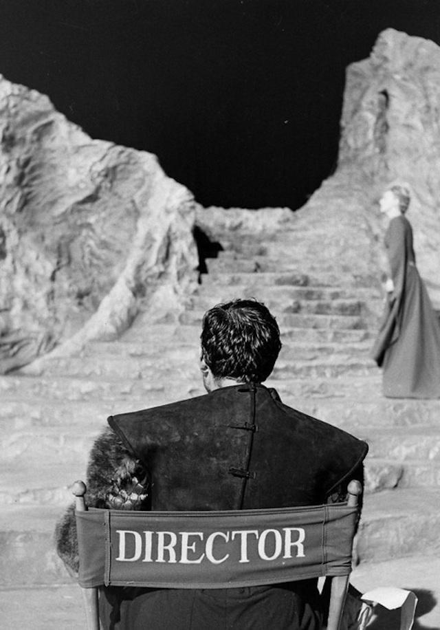 0Orson-Welles-on-the-set-of-MacBeth
