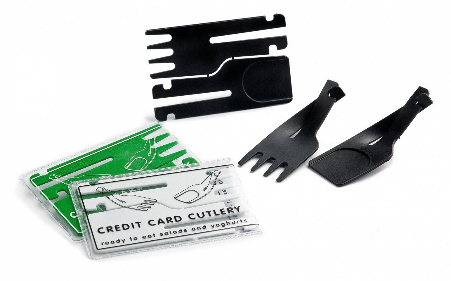 Příbory ve tvaru platební karty (inekehans.com)