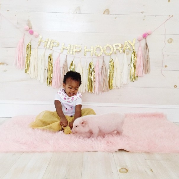 little-girl-piglet-friendship-libby-and-pearl-13-605x605