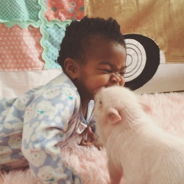 little-girl-piglet-friendship-libby-and-pearl-15-605x605