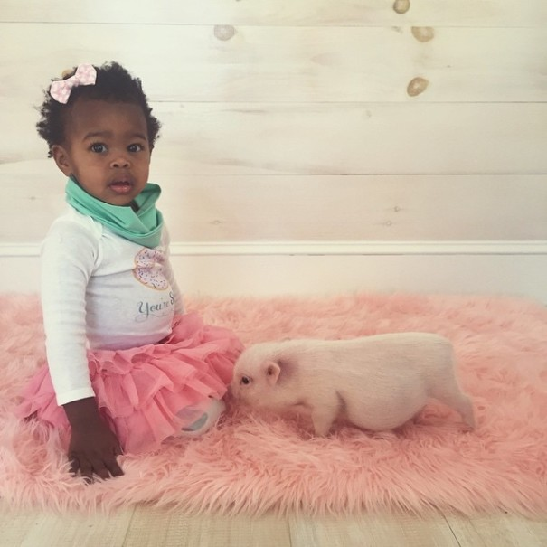 little-girl-piglet-friendship-libby-and-pearl-19-605x605