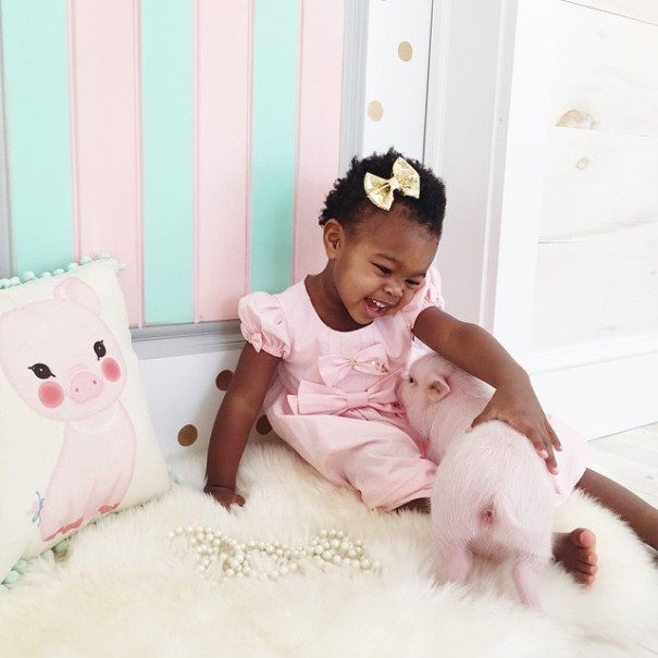 little-girl-piglet-friendship-libby-and-pearl-23-605x605