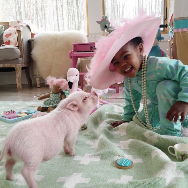little-girl-piglet-friendship-libby-and-pearl-3-605x605