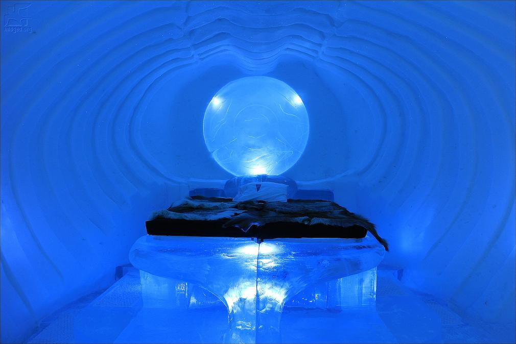 02_ice_hotel
