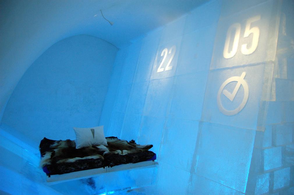 03_ice_hotel
