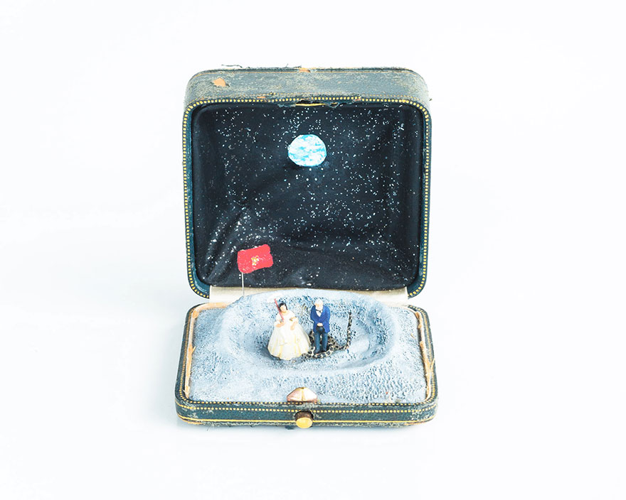 antique-ring-box-mini-diorama-talwst-2