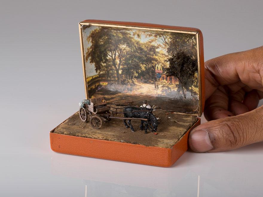 antique-ring-box-mini-diorama-talwst-3