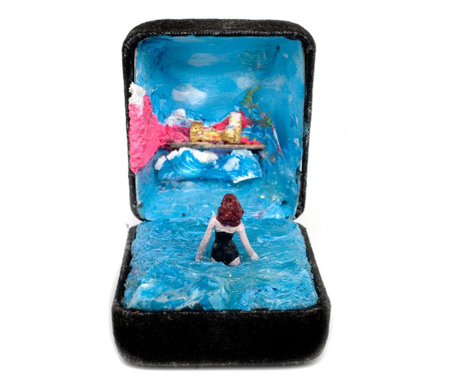 antique-ring-box-mini-diorama-talwst-5