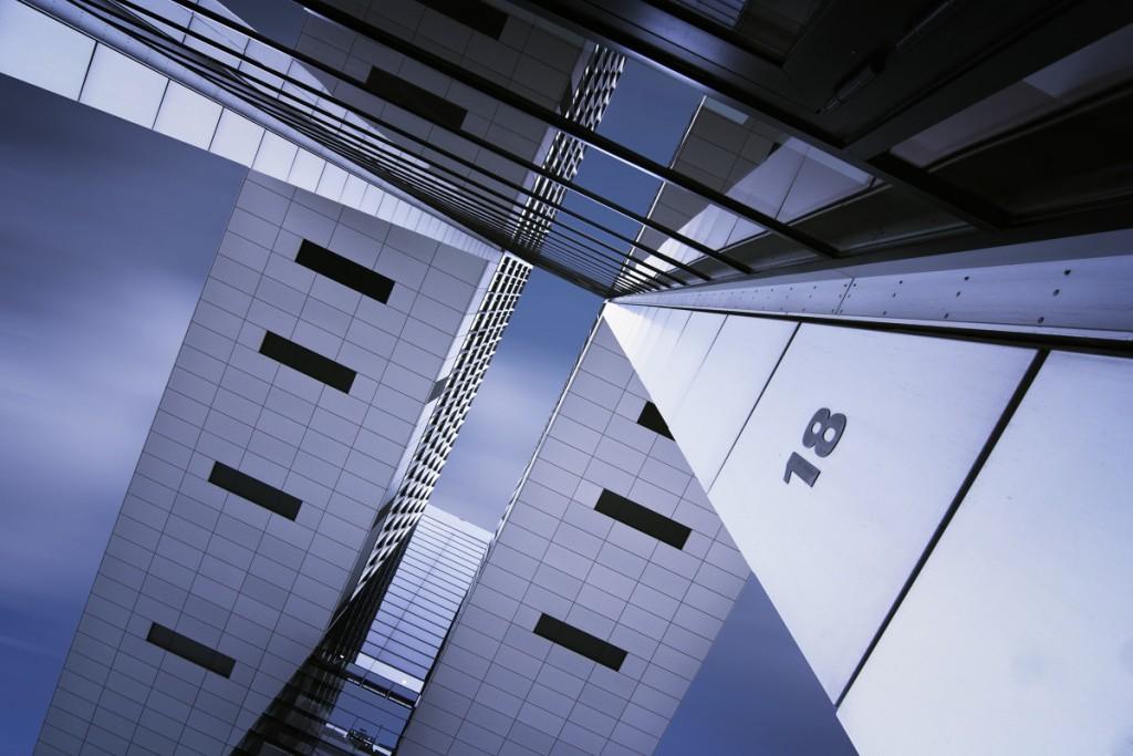 Architektura - sbíhání linií