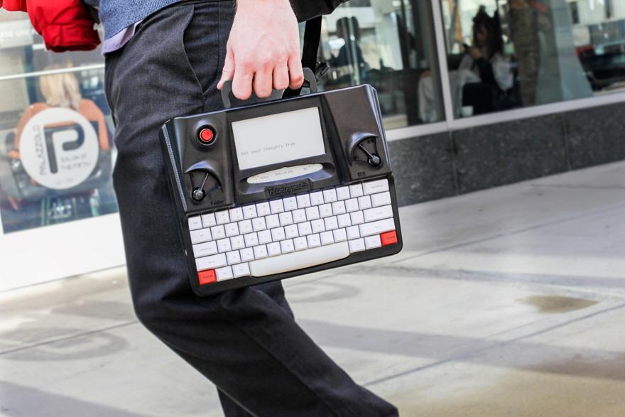 psací stroj Hemingwrite