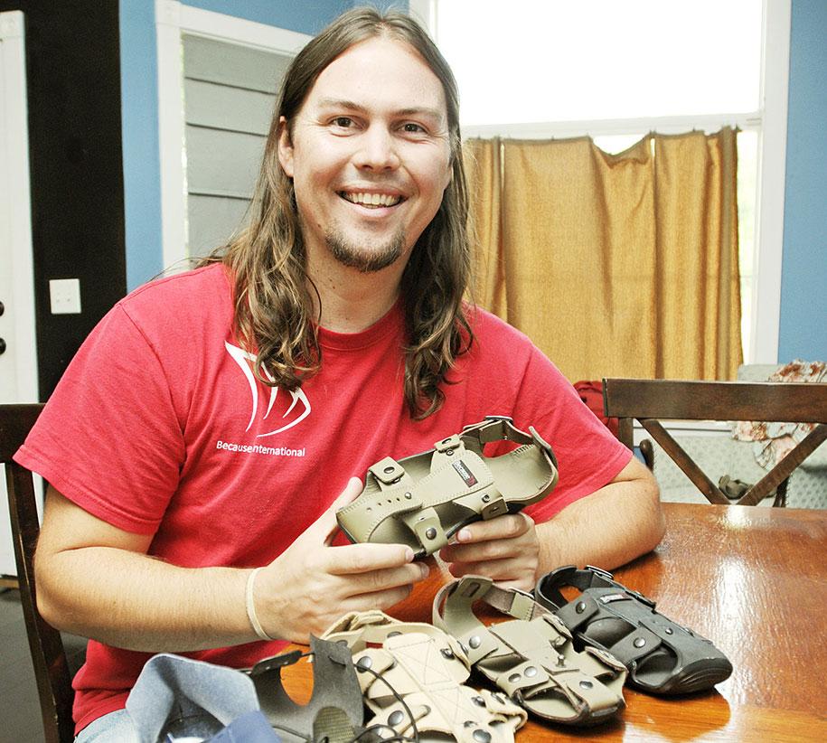 """dětské boty vydrží i 5 let, """"rostou"""" totiž spolu s dětskou nohou"""