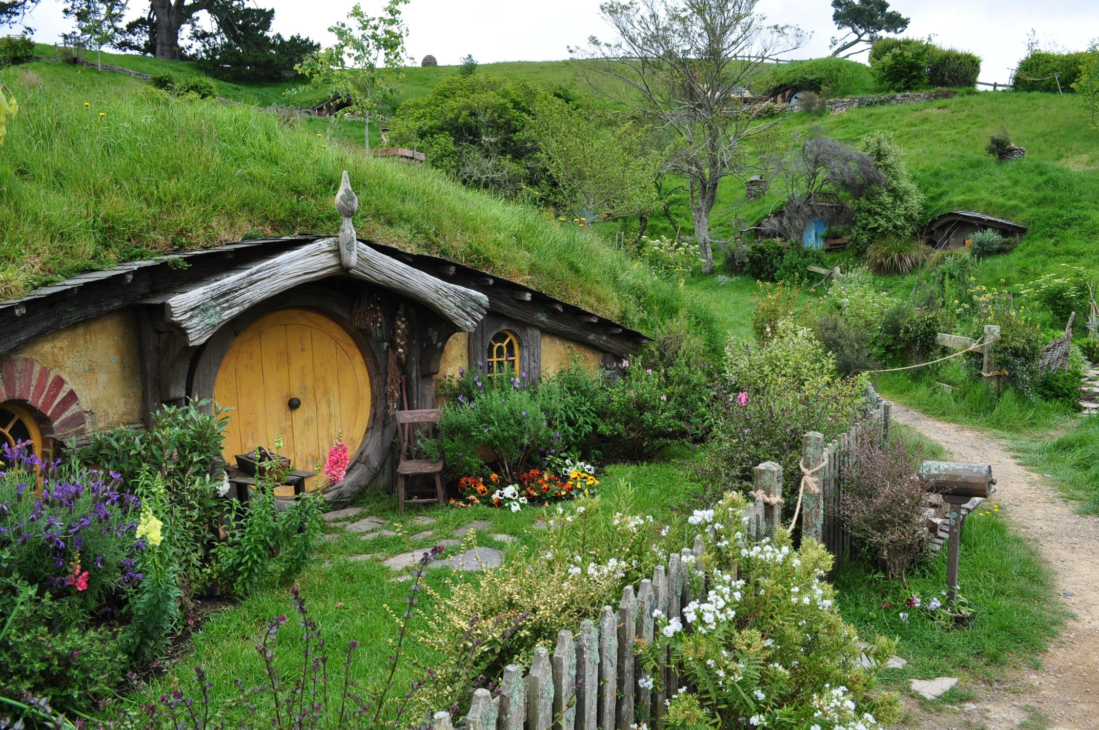 hobbiton_by_irissiel-d5q8mzk