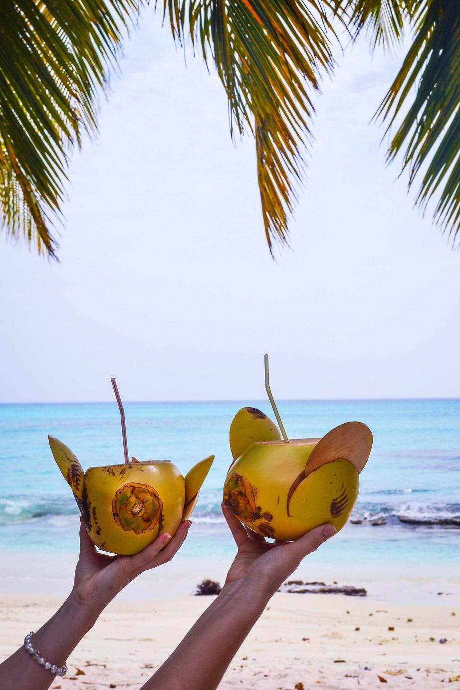 Ostrov Fulhadhoo. Maledivy