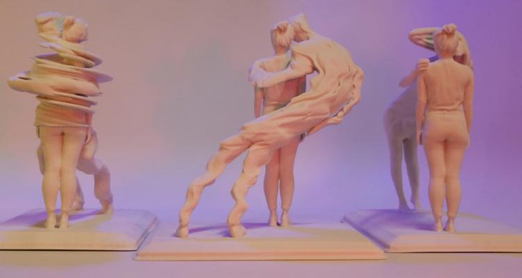 Rosalie Yu - Embrace in Progress, objetí, sochy