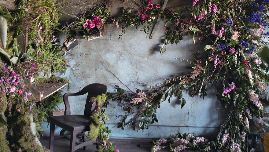 abandoned-flower-garden-house-building-detroit-lisa-waud-11-e1432053277923