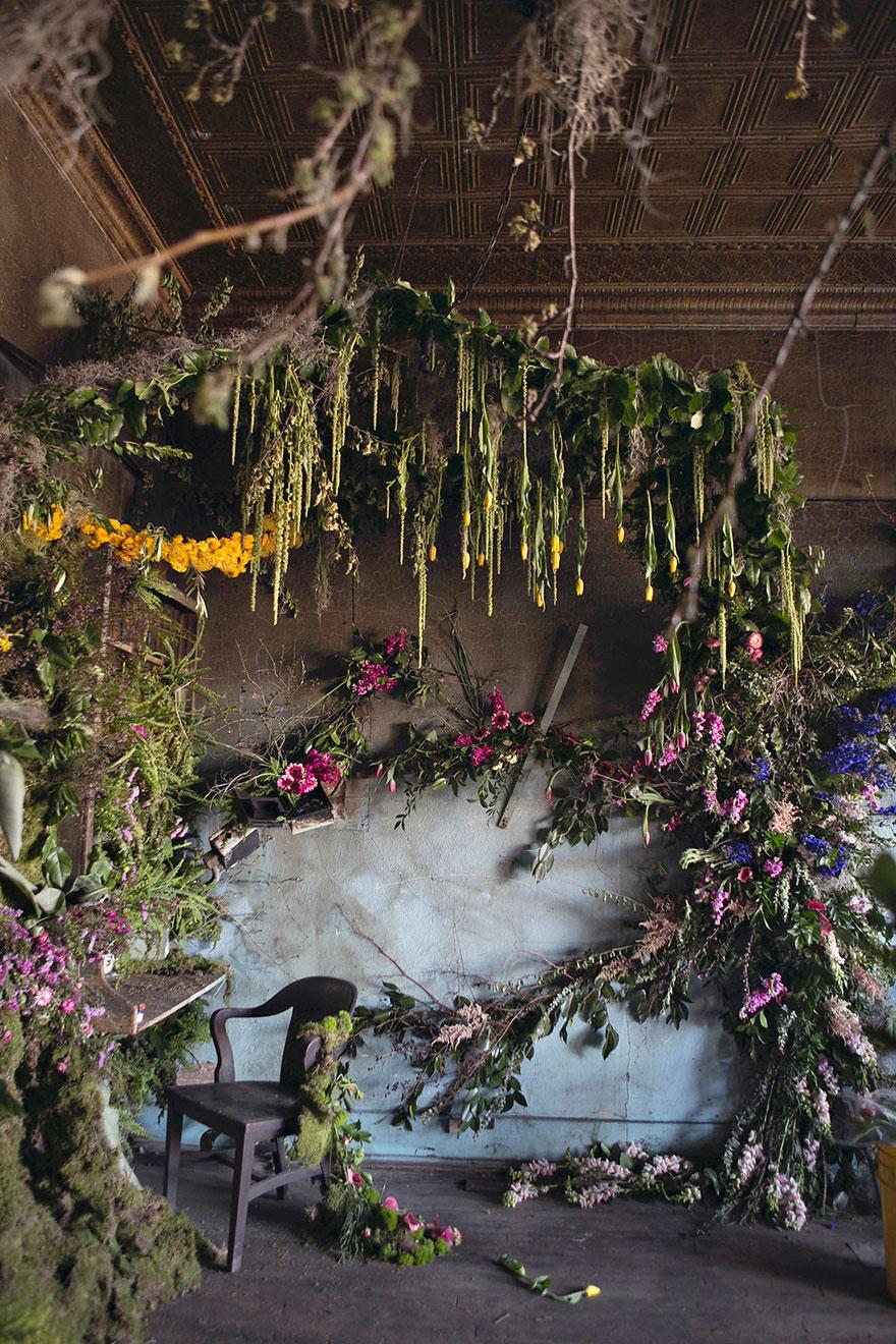 abandoned-flower-garden-house-building-detroit-lisa-waud-11