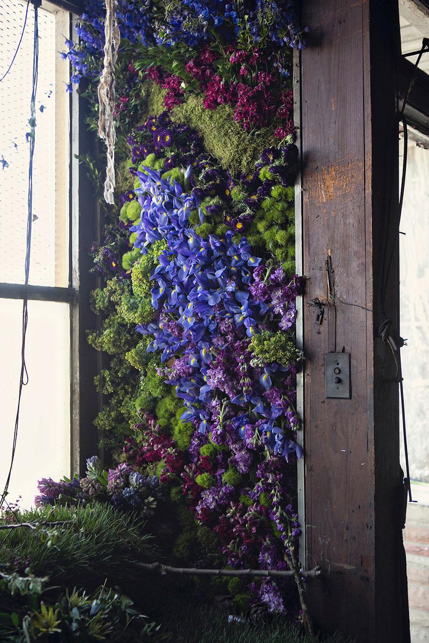 4 000 květin ozdobilo opuštěný dům v Detroitu