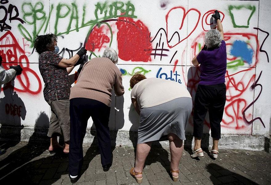elderly-paint-graffiti-lisbon-lata-65-16