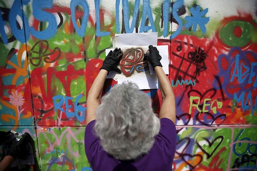 elderly-paint-graffiti-lisbon-lata-65-18