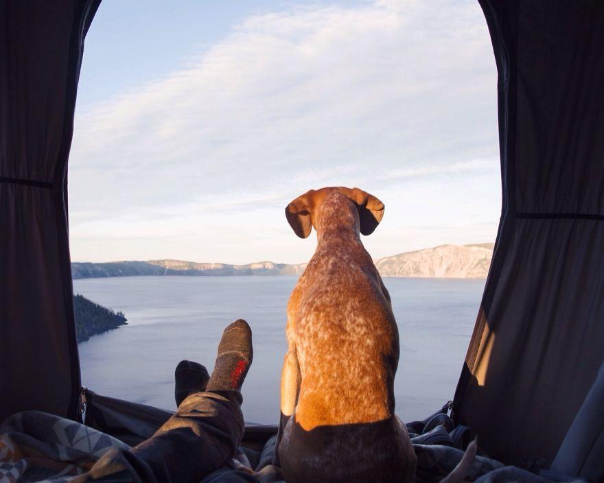 """""""Posíláme všem dobré ráno z našeho stanu!"""" / Crater Lake"""