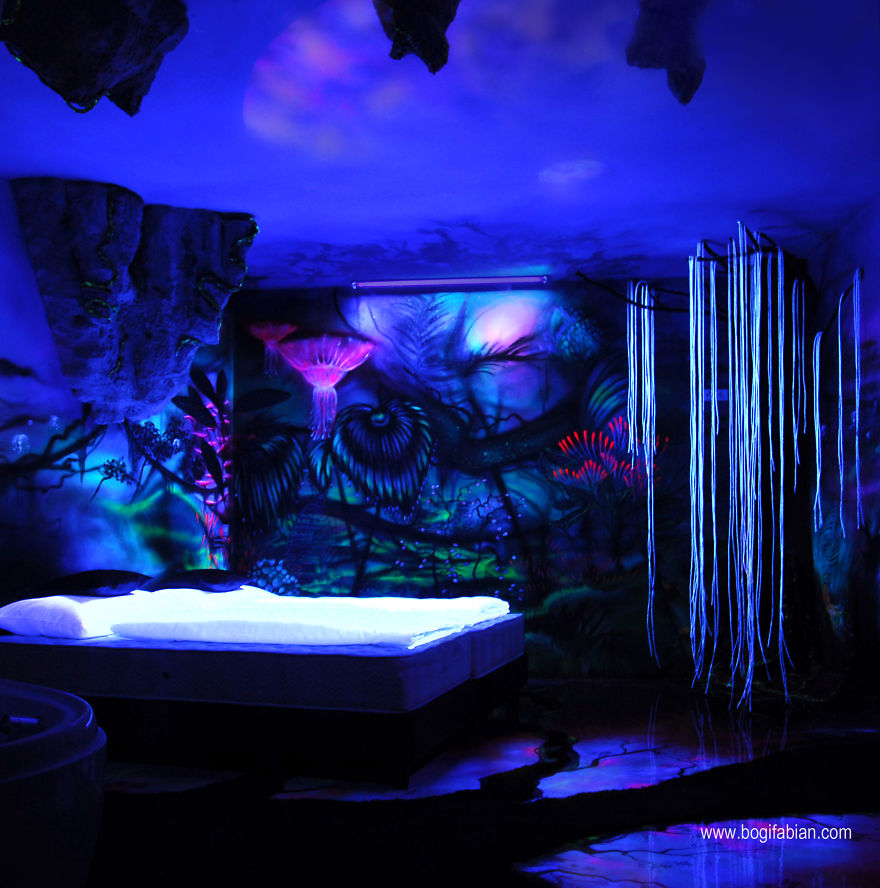AD-Glowing-Murals-by-Bogi-Fabian-8