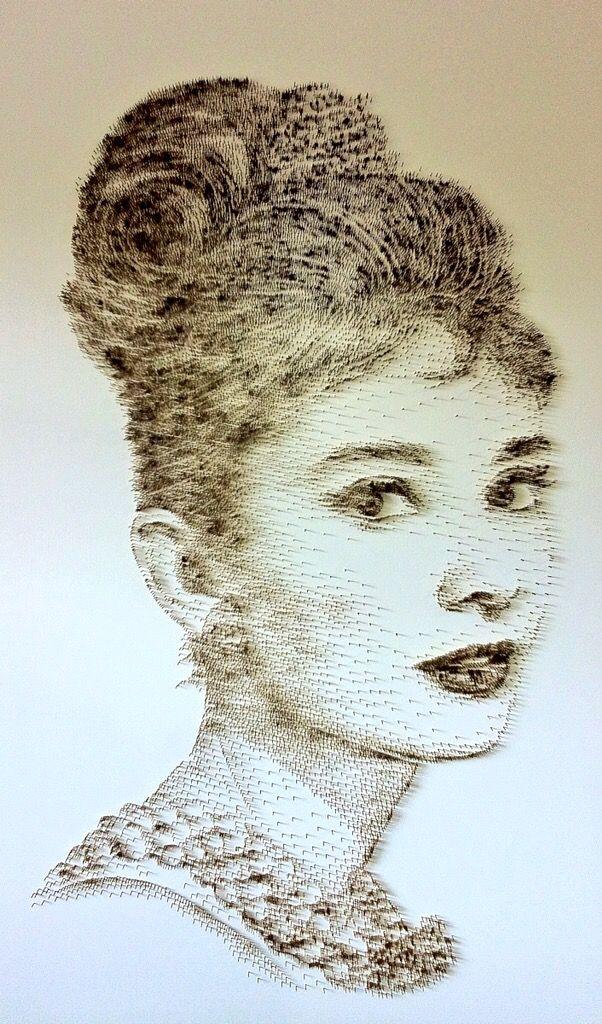 David Foster - Detailní obrazy z hřebíků, Audrey Hepburn