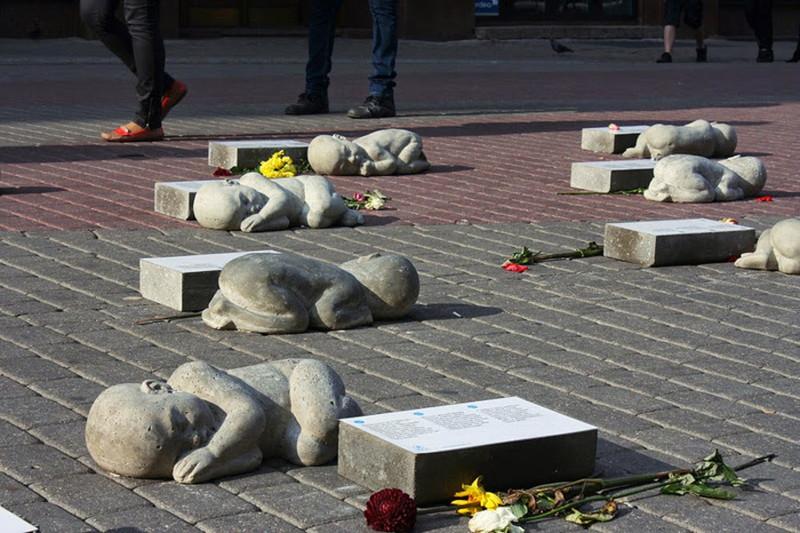 Riga. Pomník nenarozeným detem