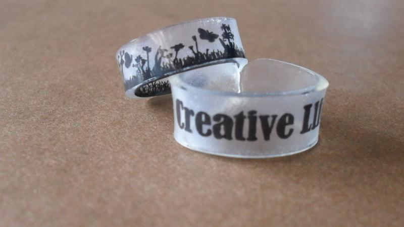 DIY prsteny ze smršťovací fólie
