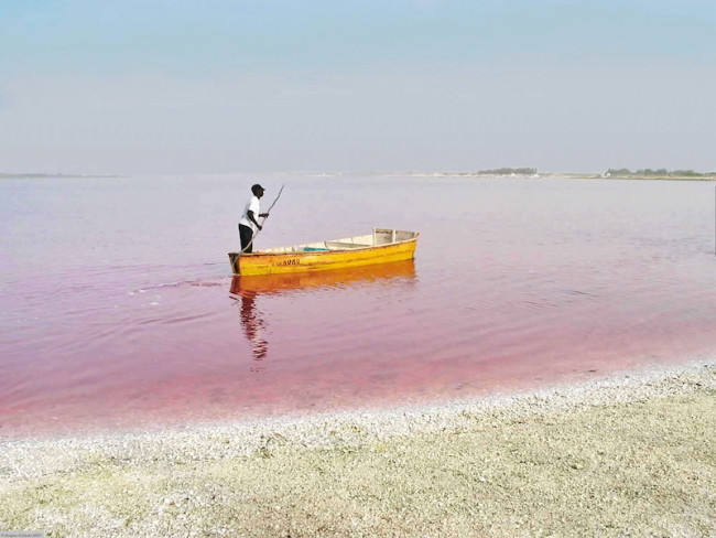 lake-retba-images-5-650x488