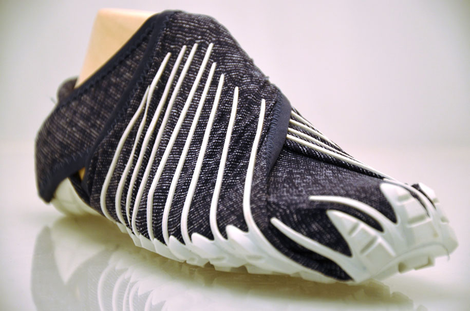 japanese-inspired-wrap-around-shoes-furoshiki-vibram-3