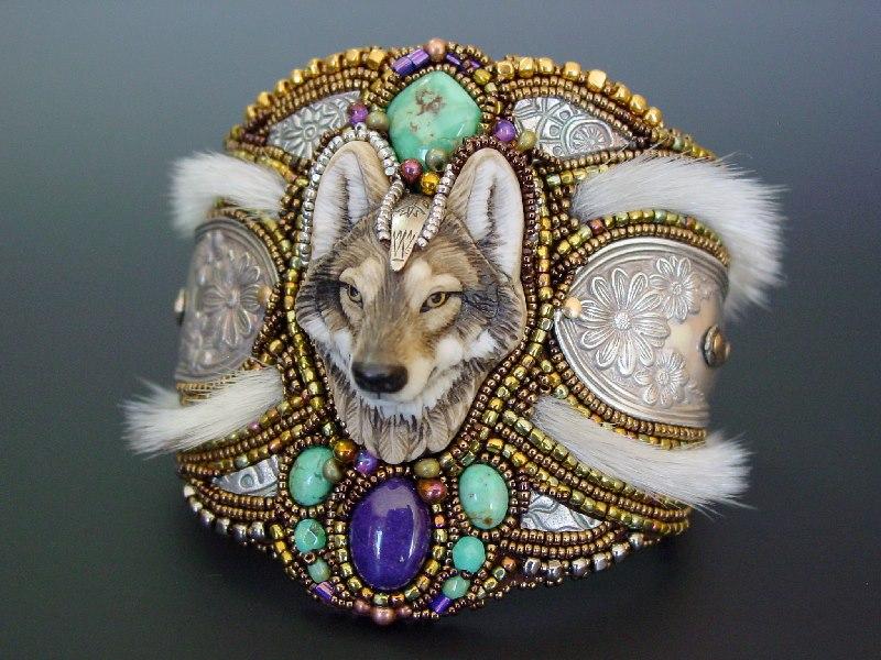 Vlk naramek