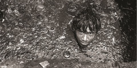 Kanalizace Mumbai, bída, chudoba