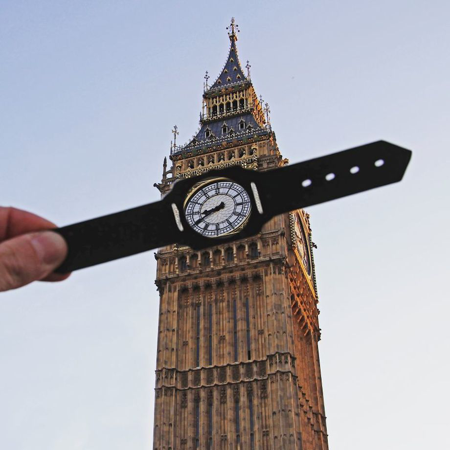 guy-transforms-famous-landmarks-with-paper-cutouts-photos-2