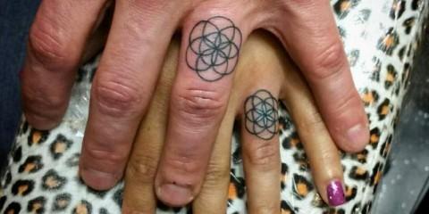 Tetování namísto snubních prstenů, wedding tattoo