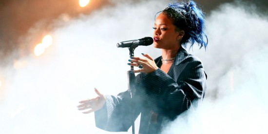 landscape-1447013659-rihanna-performing-october-2015