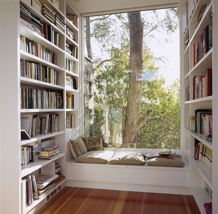 AD-Cozy-Reading-Nooks-Book-Corner-02