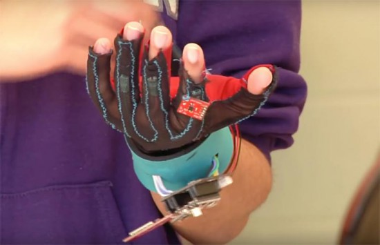 SignAloud-gloves-5