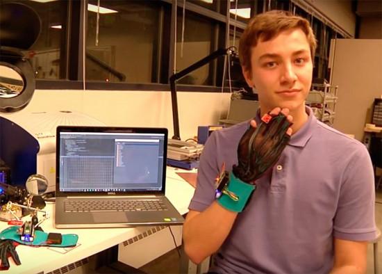 SignAloud-gloves-8