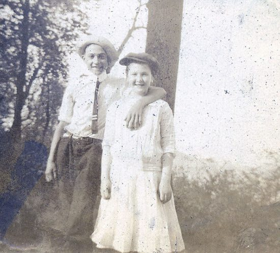funny-victorian-era-photos-silly-vintage-photography-15-57513a40c6cab__700